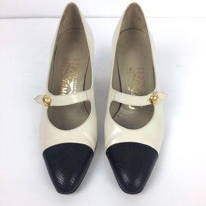 Vintage Salvatore Ferragamo Pin Up Heels 5.5 B